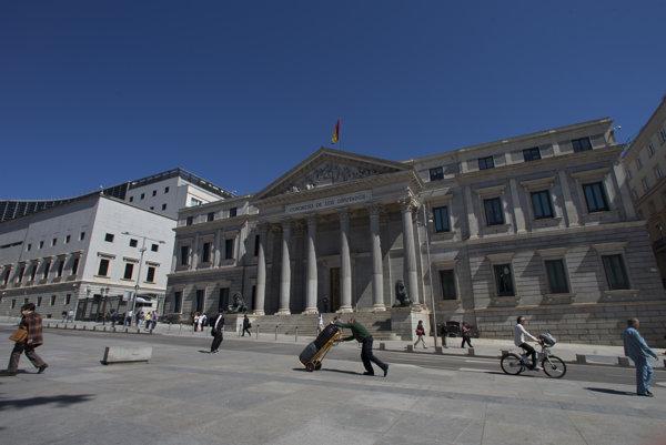 Úrady v Madride vyhlásili dopravné obmedzenia.