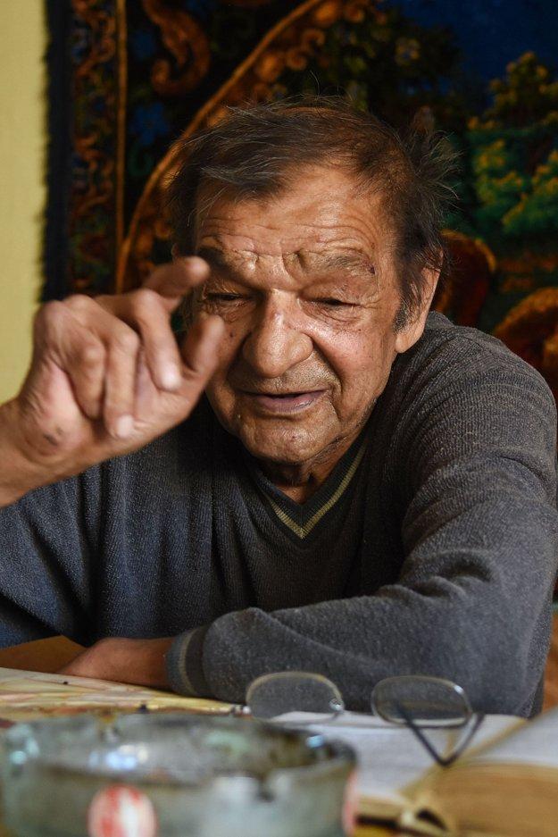 Žije skromným životom a je veľmi múdry. Takto vidí Čonku-Popalu (na snímke) starosta Spišskej Teplice Radoslav Šeliga.