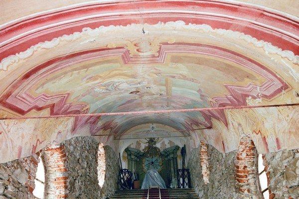 Prešovská Kalvária. Hlasovať sa dá aj o záchranu klenby nad Svätými schodmi.