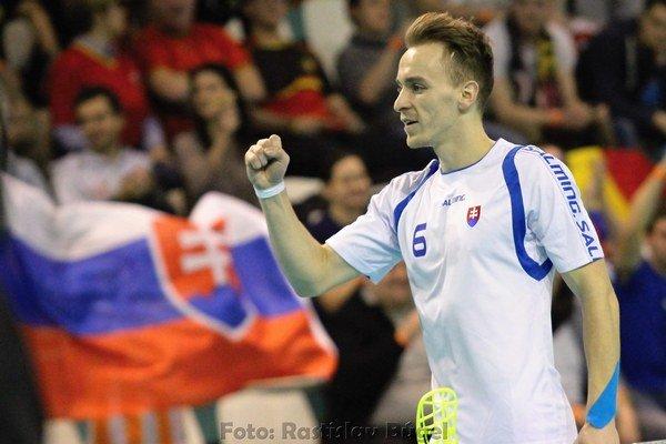 V reprezentačnom drese Slovenska. K postupu na MS prispel siedmimi gólmi.