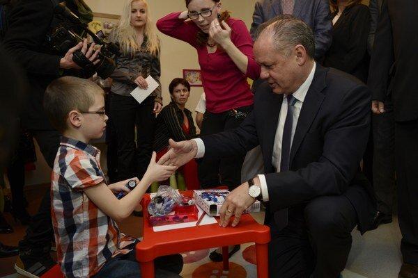 Andrej Kiska. Prezident sklientmi Centra pre obnovu rodiny Dorka.