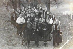 Fintičanky vminulosti. Fotka z50. rokov minulého storočia.