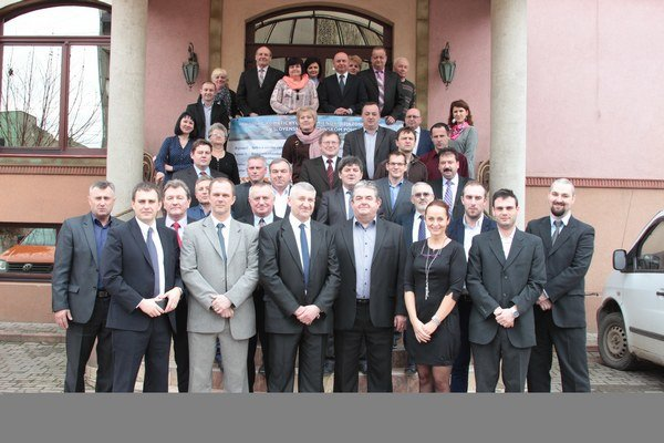 Konferencia. Vo Veľkom Bereznom sa stretli zástupcovia samospráv zo slovensko-ukrajinského pohraničia.