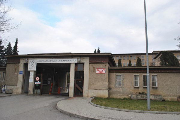 Fakultná nemocnica v Prešove. Nevládala platiť, má na krku penále.