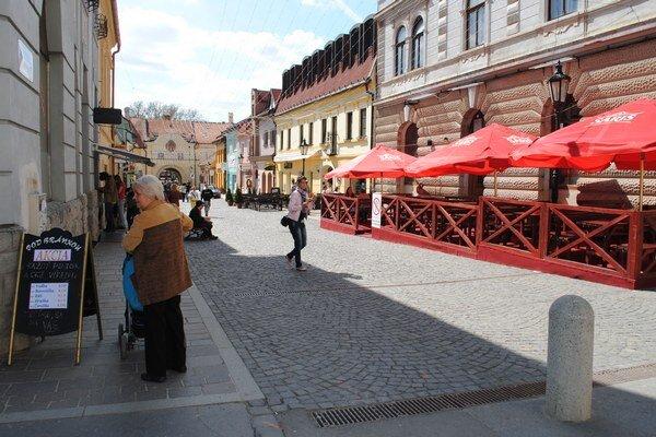 Letných terás v centre Prešova tento rok pribudne.