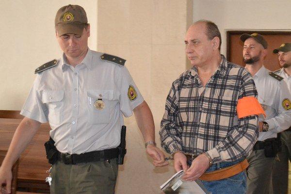 Obžalovaný otec Jozef A. Súd ho prepustil z väzby.