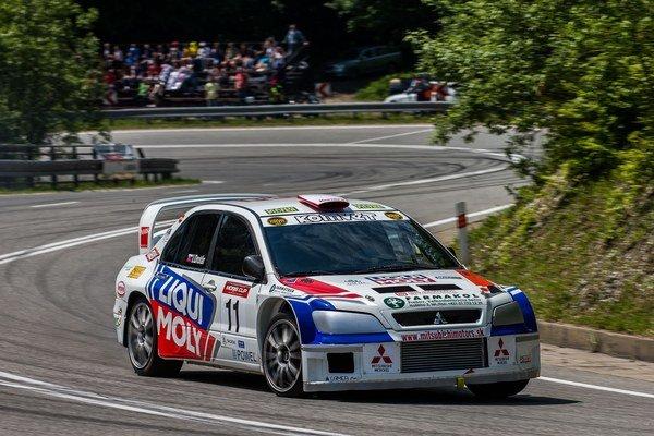 Na trati Moris Cupu 2015. Igor Drotár zúročil svoje skvelé majstrovstvo za volantom.