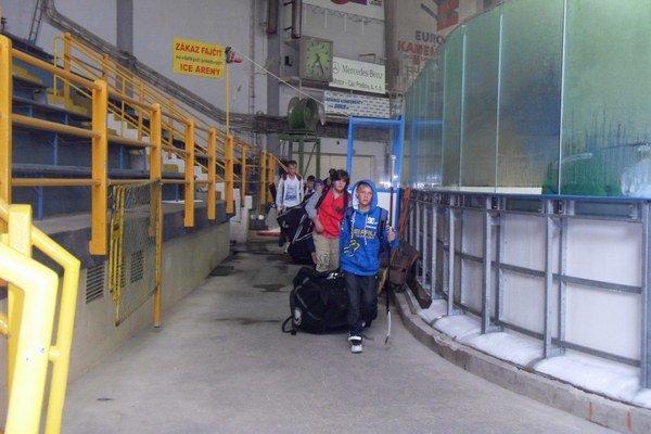Zimný štadión. Zavretý bol len dva dni, znova je v prevádzke.
