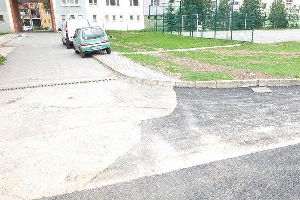 Vnútroblok na Sibírskej. Obyvateľov už nebude trápiť blato a dažďová voda.