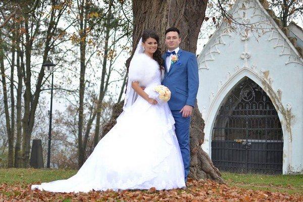 Mladomanželia. Zobrali sa v Prešove.