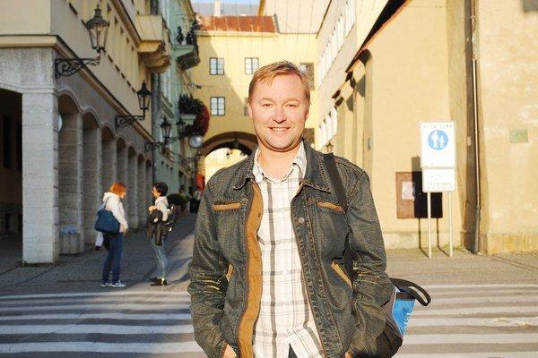 Ondrej Gubač. Bývalý colník miluje divadlo.