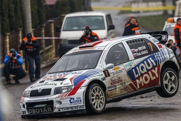 Náročné podmienky na trati. Igor Drotár a Vlado Bánoci prišli do cieľa na 4. mieste.