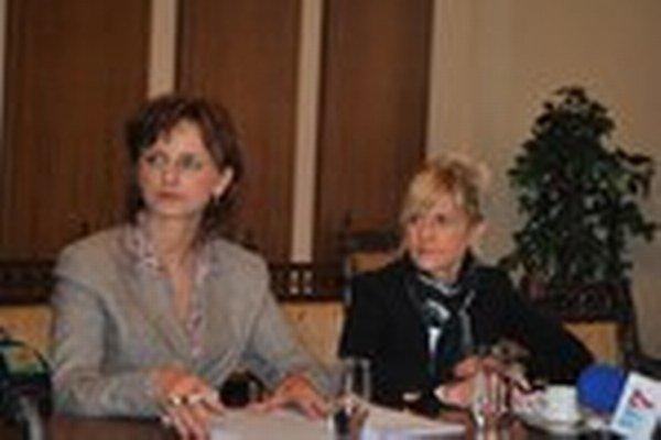 Štefánia Andraščíková (vpravo). Navrhla zaviesť jednotný systém symbolického nájomného.