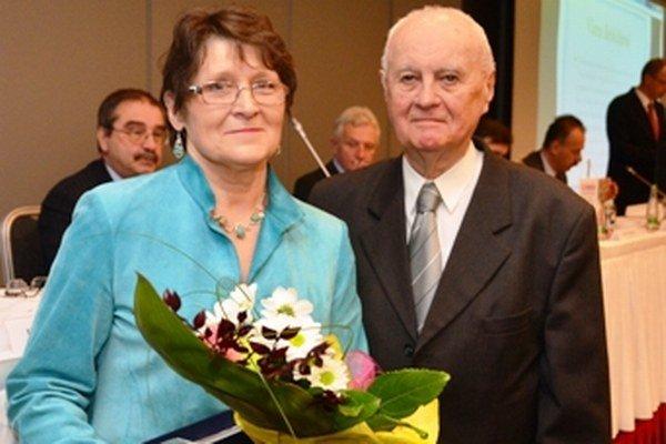 Docentka Viera Bebčáková s profesorom Vladimírom Černušákom.