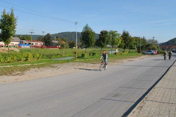 Cyklotrasa vo Veľkom Šariši. AJ tento úsek by mal patriť do európskej trasy Euro Velo.