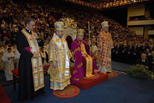 Intronizácia arcibiskupa Jána Babjaka. Uplynulo od nej už 6 rokov.