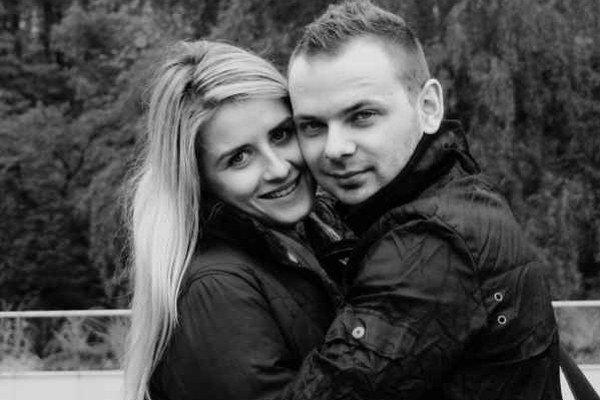 Miloš a Lenka. Zasnúbili sa pred premietaním filmu.