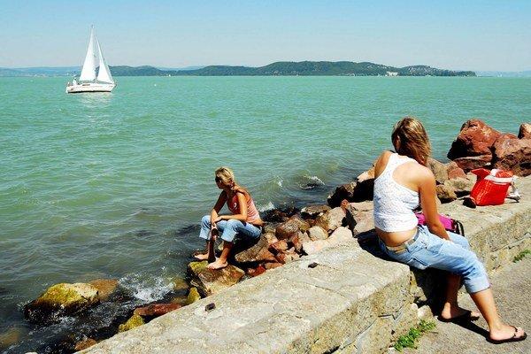 Dovolenka. Po hrejivom slnku a šantení vo vode túži väčšina ľudí.