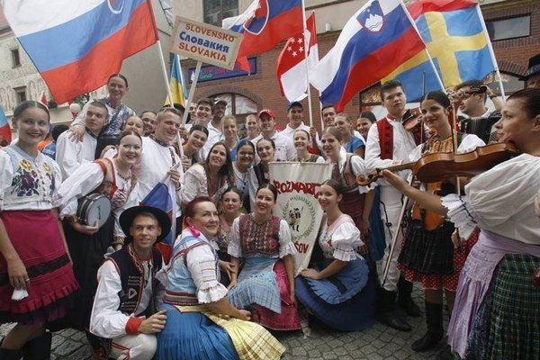 FS Rozmarija reprezentoval Slovensko v Poľsku aj Bulharsku.