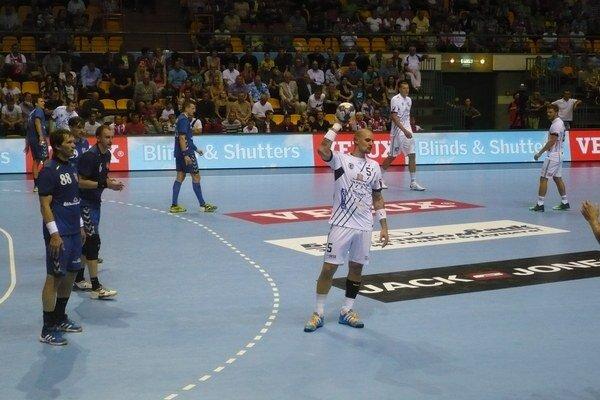 Michal Kopčo. Kapitán Tatrana (v popredí v bielom) dal Bielorusom päť gólov.