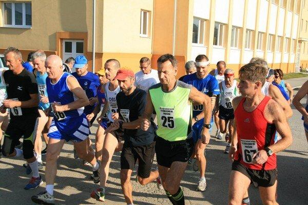 Beh na 5 000 m bol najpočetnejšou disciplínou (23 účastníkov).