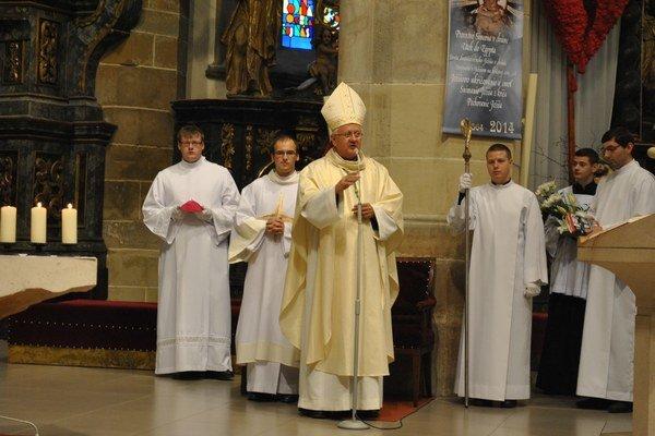 Sv. omša začala stretnutie, celebroval ju biskup S. Stolárik.
