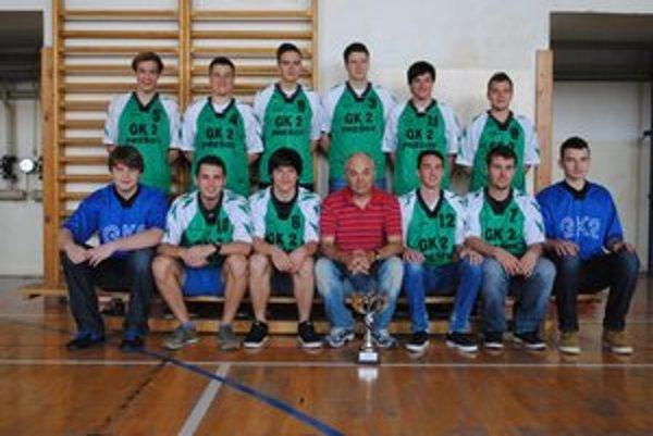 Víťazný tím. Hádzanári z gymnázia na Konštantínovej v Prešove.