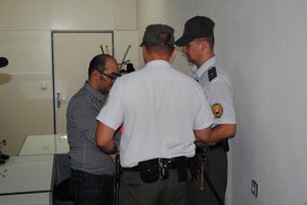Odsúdený M. Lacko (vľavo)