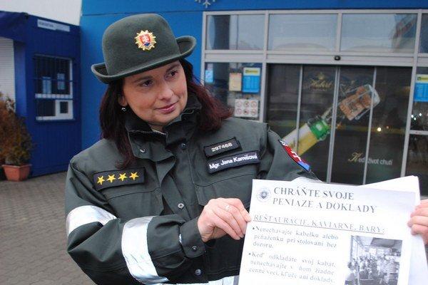Jana Karnišová. Okresná policajná preventistka.