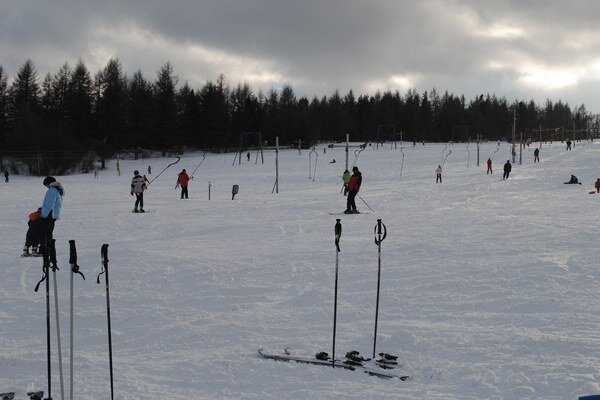 Stredisko Renčišov – Búče. Takto si ľudia užívali lyžovačku v januári 2013.