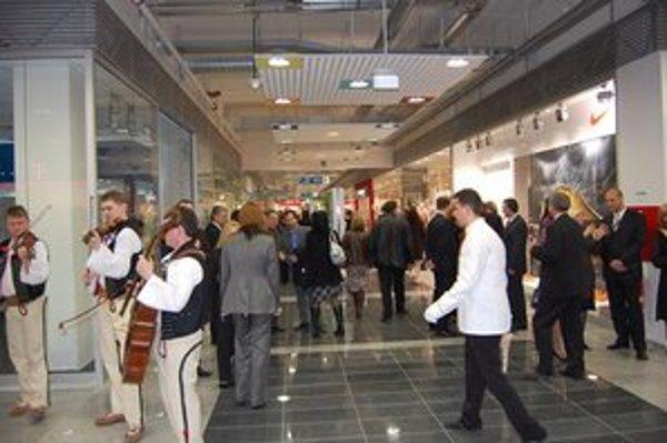 Zábavno-obchodné centrá zmenili kultúru nakupovania.