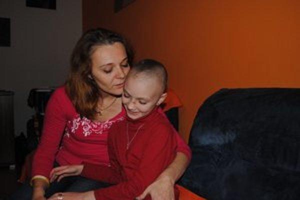 Julka so svojou mamkou Andreou. Navzájom sa podporujú.