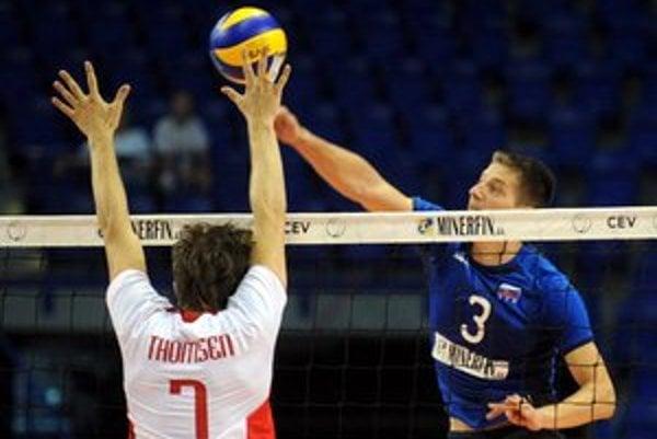 Radoslav Száraz (vpravo). Svidnícky volejbalista sa tiež uchádza o pocty v rámci ocenenia najúspešnejších športovcov PSK za rok 2012.