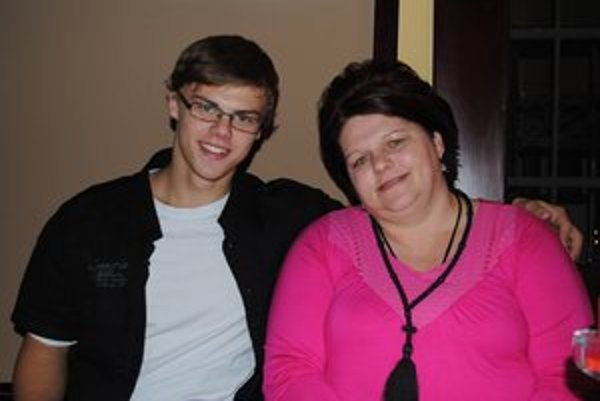 Pani Kovalíková s prostredným synom Jakubom.
