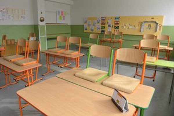 Deti neboli v škole, chrípkových ochorení ubudlo.
