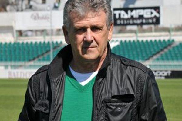 Odhodlaný. Tak nastúpil včera na novú šichtu tréner Jozef Bubenko.