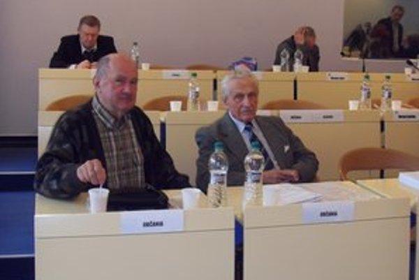 D. Dajča a E. Osavčuk. Na štyri roky sa stanú takzvanými sudcami z ľudu.