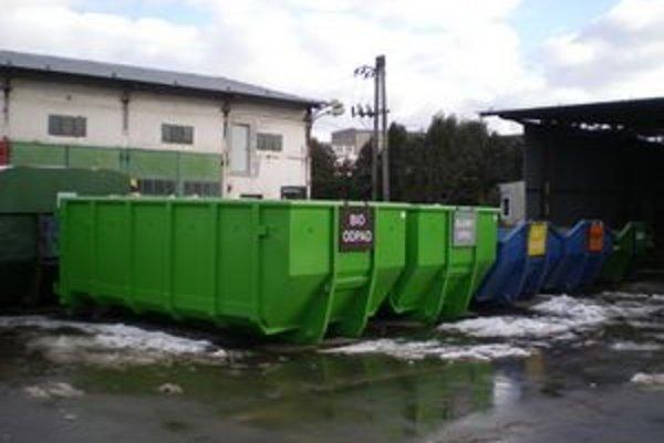 Zberné dvory. Sústredia sa aj na biologický odpad.