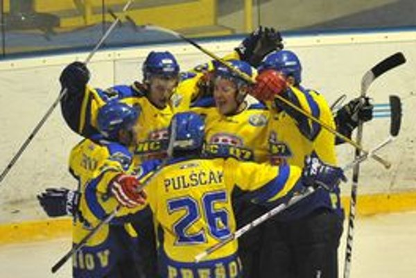 Prešovskí hokejisti sa po čase znovu tešili z výhry.