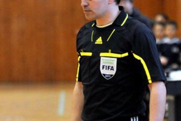Miroslav Benko. Prvú fázu testov medzinárodný arbiter zvládol.