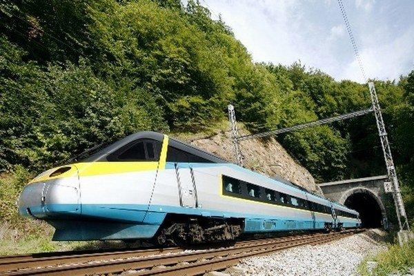 Český rýchlovlak sa od decembra vráti na slovenské koľaje.