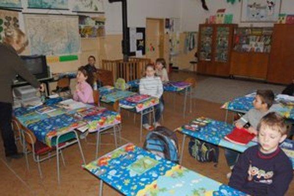 Škola v Zlatej Bani. Poslanci rozhodli o jej zrušení.