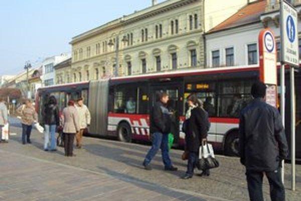 Nové trolejbusy. Aj v nich sú umiestnené LCD obrazovky