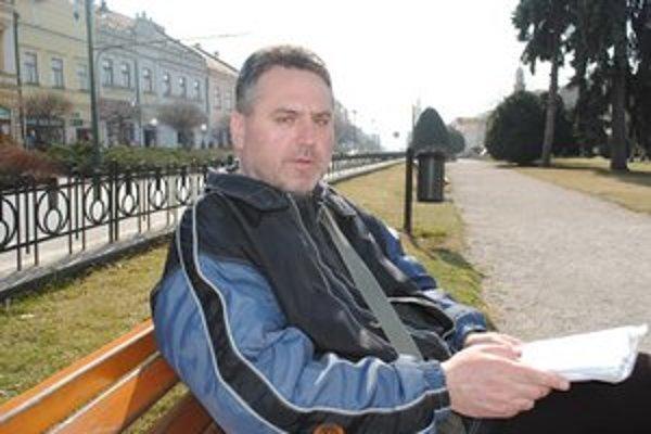 Predavač charitného časopisu. Podľa Ľ. Urbanovského sú Prešovčania milí ľudia.
