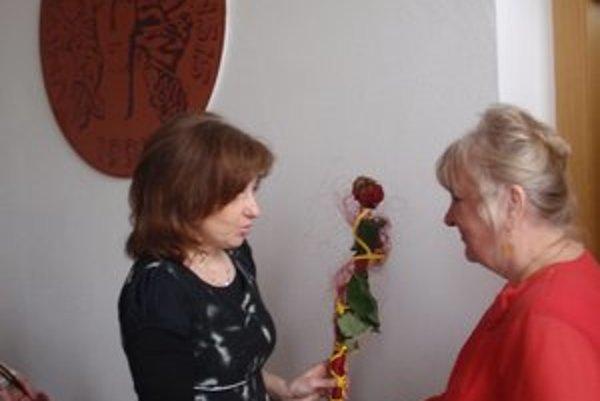 Kvetoslava Koporová. Blahoželá k úspechu Kvete Morochovičovej.