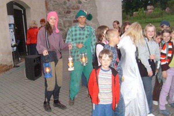 Noc strašidiel v Solivare. Každý rok sa na škriatkov a prehliadku areálu tešia stovky návštevníkov.