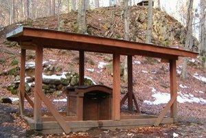 Minerálny prameň Šťavica. V súčasnosti je prístupný len pre peších a turistov.