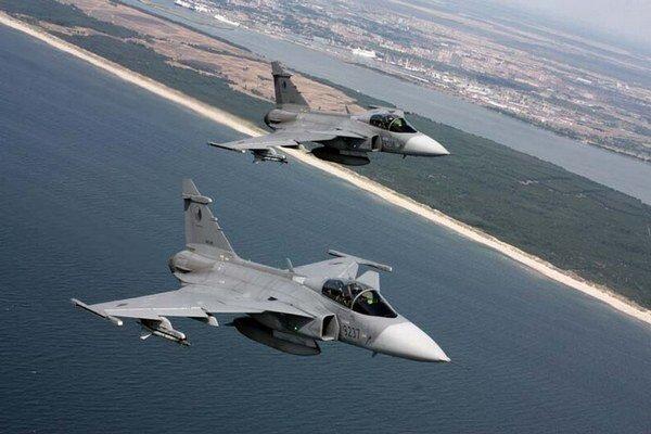 Stíhačky JAS–39 Gripen môžu nahradiť migy.