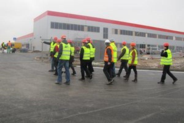O pozemky vedľa už hotových hál Honeywellu má záujem talianska spoločnosť Travaglini.