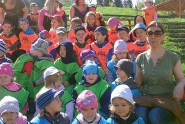 Deti z MŠ Jurkovičova. V lete sa učiteľky postarajú aj o deti z iných MŠ.